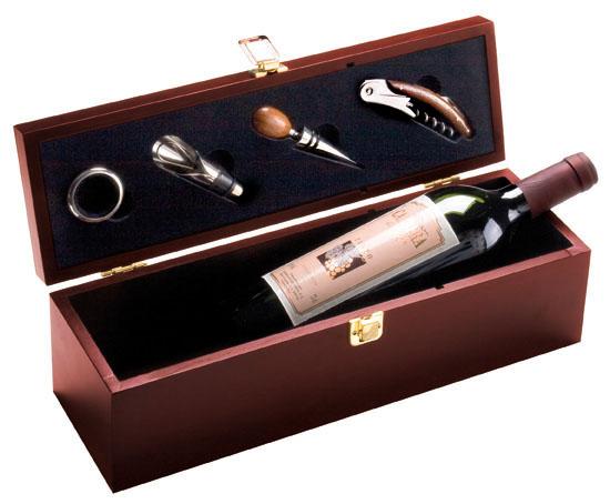 Cutie lemn pentru o sticla de vin si accesorii | 8400701