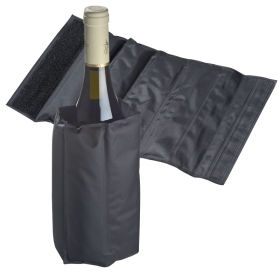 Bottle cooler with cooling pads | 8867303